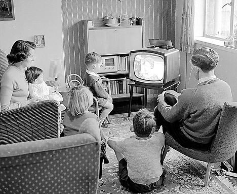 La Televi-Sión es para el control mental, no para el ocio