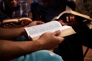 bible-study_724_482
