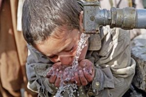 young-resident-camp-displaced-afghanistan-takes-drink-water3c53