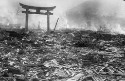 Paisaje tras la explosión atómica en Nagasaki