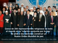 "Cerca de 200 representantes religiosos de todo el mundo en la ""oración conjunta por la paz."" Se pide a las naciones construir un Nuevo Orden Mundial de paz."