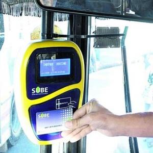 Tarjeta SUBE, Argentina. Utilizada para pagar boletos en transporte público, el mismo sistema ya se encuentra operando en gran cantidad de países. Tecnología NFC.