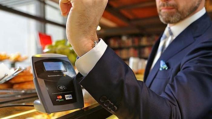 traje-pago-electronico