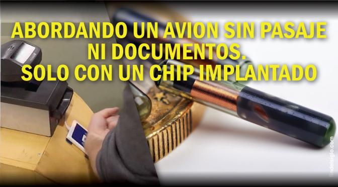 Abordando un avión con un chip NFC en la mano