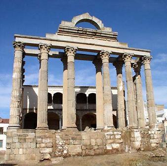 El Templo de Artemisa fue un templo ubicado en la ciudad de Éfeso, Turquía, dedicado a la diosa Artemisa, denominada Diana por los romanos.