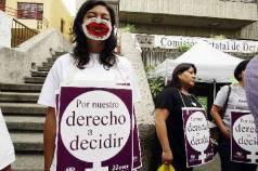Un grupo de mujeres clausuró simbólicamente las instalaciones de la CEDHJ