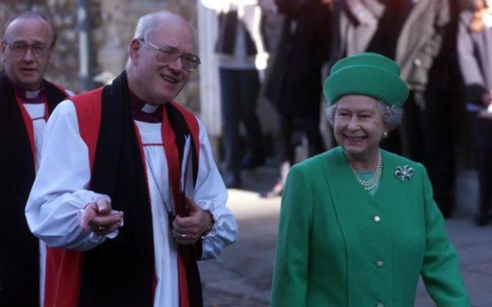 George Carey y la reina Elizabeth
