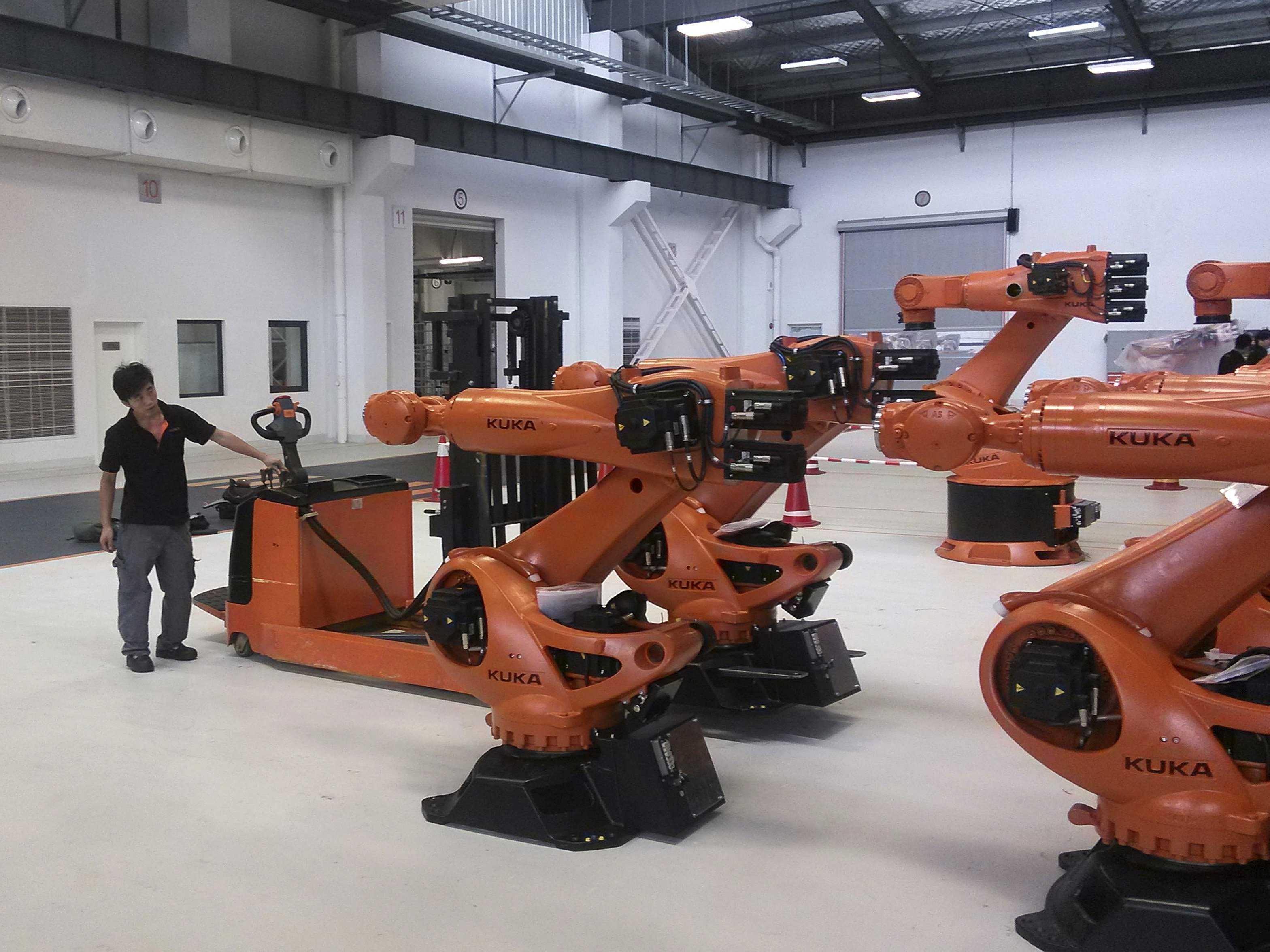 china robots.jpg