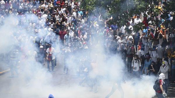 represion-venezuela-autopista-fajardo-3