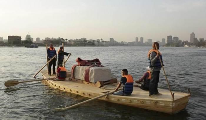 barca transporte piedras piramides