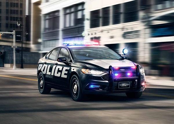 AUTO POLICIA.jpg