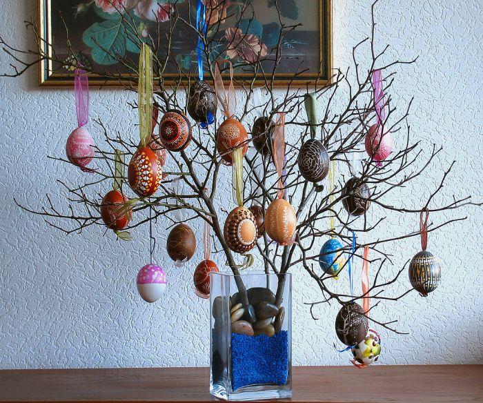 huevos colgando