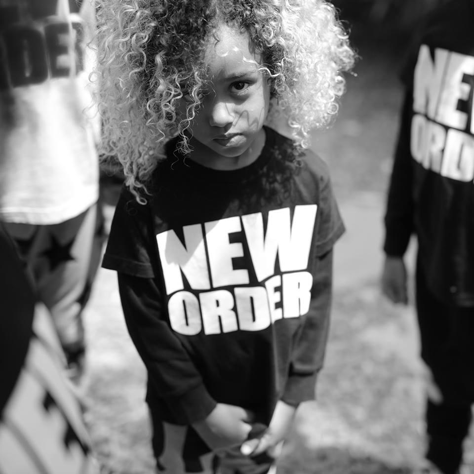 ropa celin dion genero neutro nuevo orden mundial 11