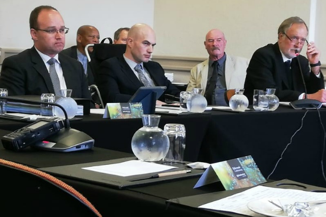 medeico sudafrica acusado por defender la vida
